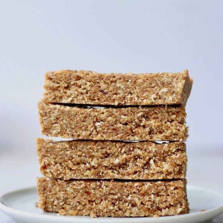 Easy Homemade Oatmeal Date Granola Bars
