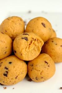 High-Protein Peanut Butter Cookie Dough Balls 1