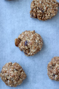 Chewy Vegan Oatmeal Date Cookies 1