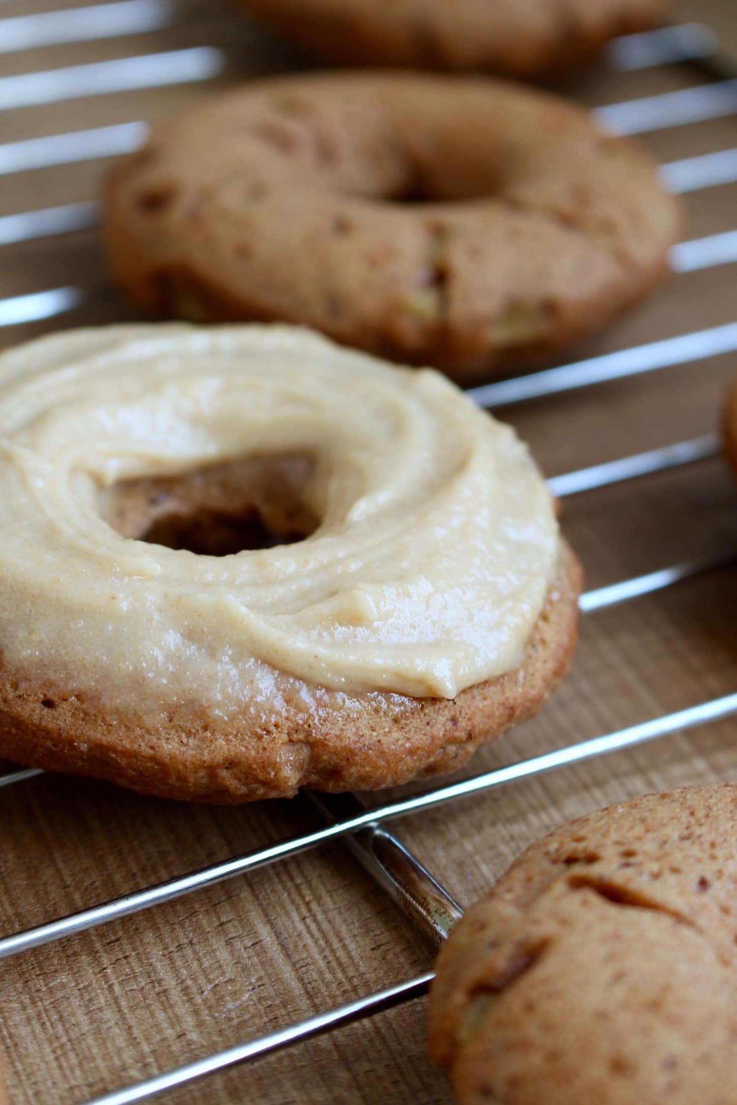 Vegan Apple Cinnamon Baked Doughnuts | The Conscientious Eater