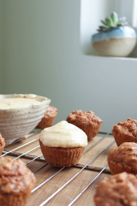 Vegan Carrot Cake Cupcakes with Cashew Frosting 11