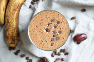 Healthy Dairy-Free Mocha Smoothie-2