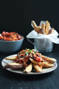 Vegan Chili Loaded Sweet Potato Fries-10