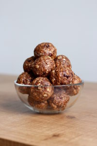 5 Ingredient Adaptable Granola Bars Chocolate