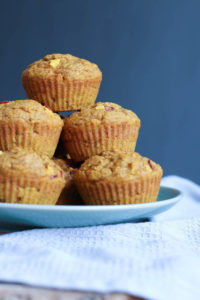 THE BEST Vegan Pumpkin Nectarine Oatmeal Muffins! This muffins are full of natural sweetness and whole grains are are perfect for a quick breakfast on the go or a delicious snack. Vegan!-2