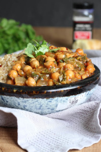 Easy Chickpea Tomato Sauce Curry-3