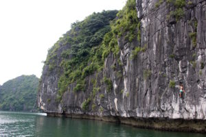 ha-long-bay-vietnam-2