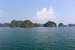 ha-long-bay-vietnam-3