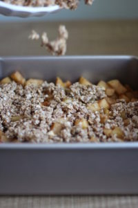 healthy-easy-vegan-apple-crisp-4