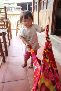 sapa-vietnam-little-girl