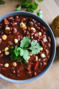 vegan-pressure-cooker-black-bean-chili-1