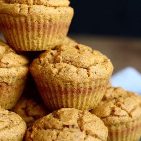 vegan-pumpkin-cornbread-muffins