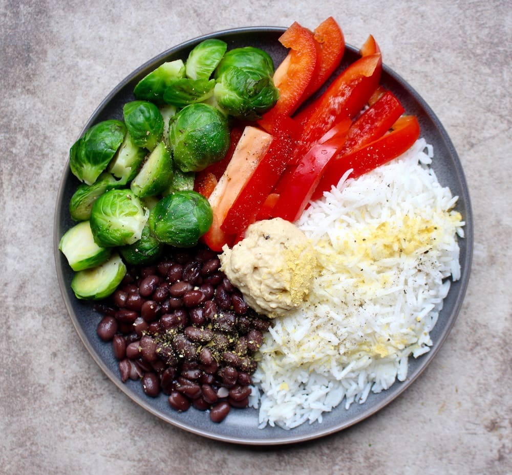 Plant-Based Lunch Ideas. Healthy lunch recipes that don't include meat, dairy or refined grains can sometimes be hard to come by. For lunch, we want something quick and easy, something that can be easily packed into a lunchbox or taken on the road.
