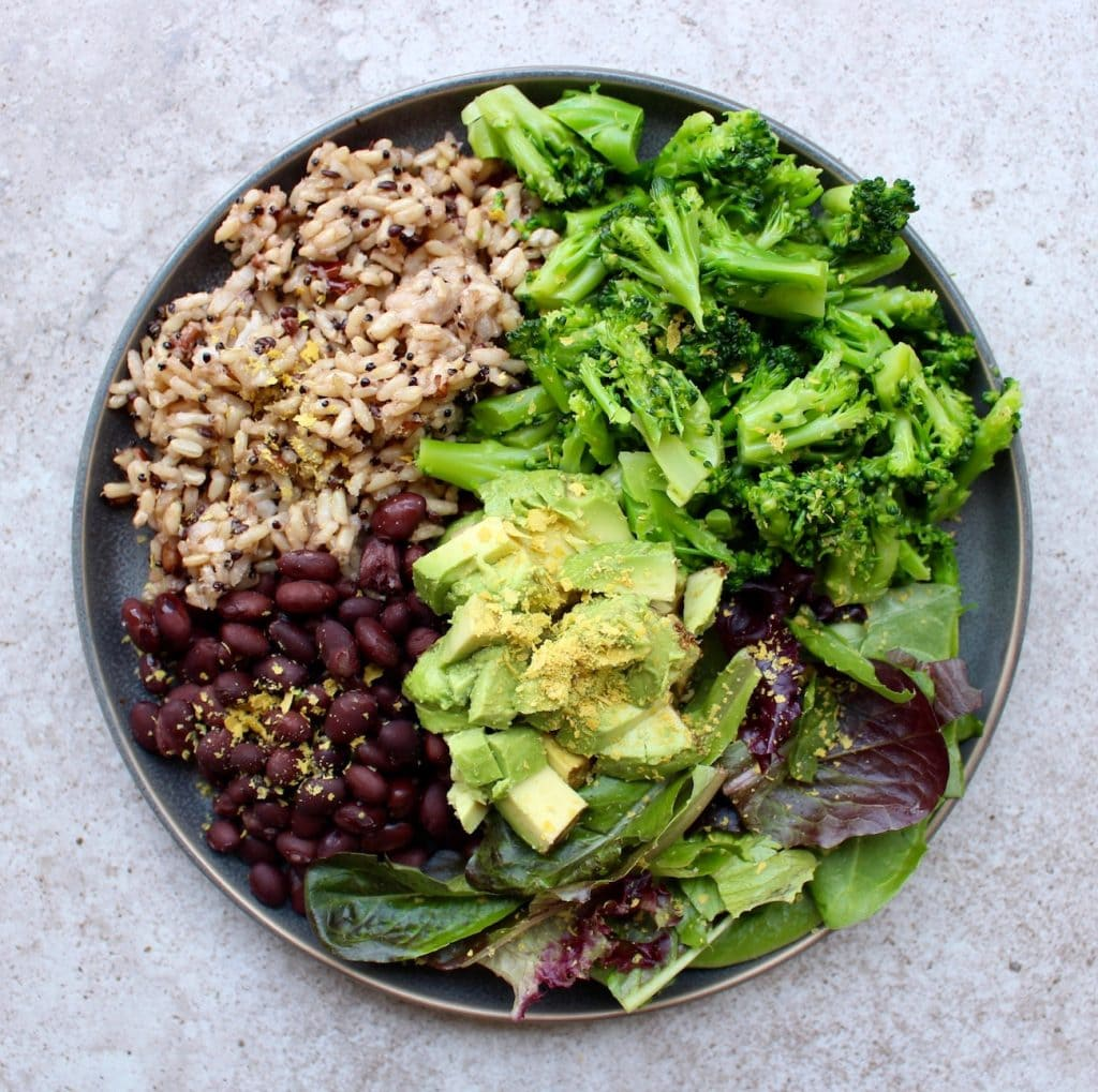 Microwaveable rice with beans, broccoli and avocado