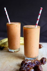 Papaya and Date Smoothie