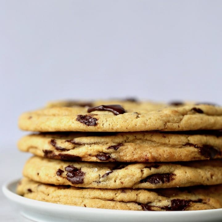 Bakery Style Vegan Chocolate Chip Cookies