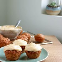 Vegan Carrot Cake Cupcakes with Cashew Frosting