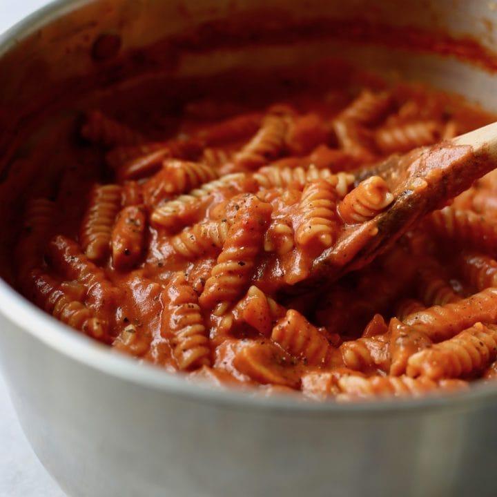 One-Pot Creamy Marinara Pasta