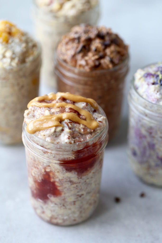5 jars full of different overnight oats recipes