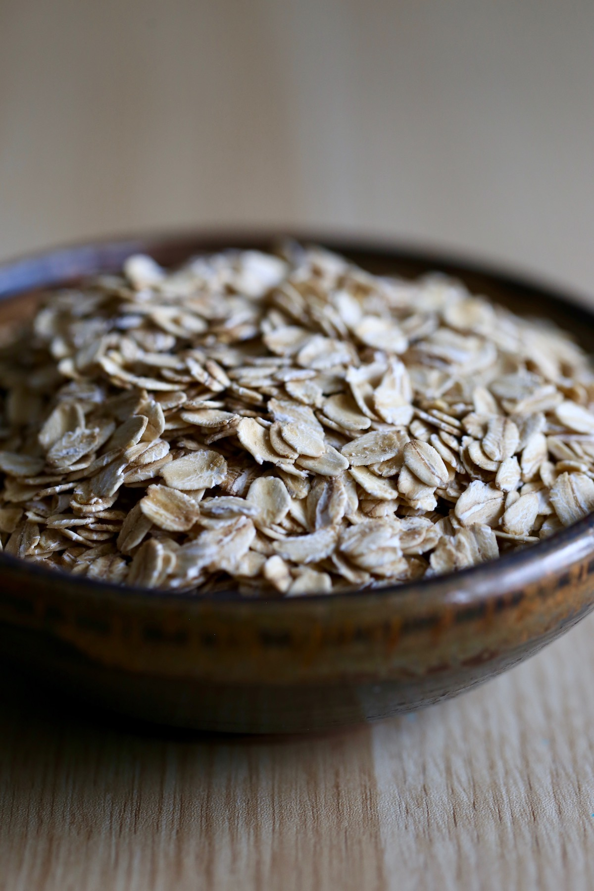 Old fashioned rolled oats in a bowl